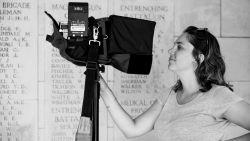 """Ieperse filmmaakster keert terug naar geboortestreek en maakt meest bekeken documentaire op Canvas: """"Ik heb nochtans lang geen interesse meer gehad voor de oorlog"""""""