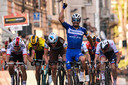 Julian Alaphilippe troeft grote namen af in Milaan-San Remo.