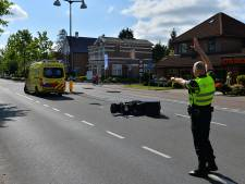 Scooterrijdster gewond na ongeval op Deventerstraat in Apeldoorn