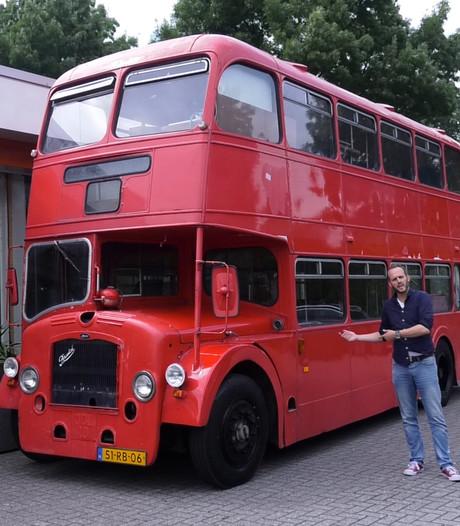 Oude tourbus van The Kelly Family te koop: 'Er zit zelfs een biertap in'