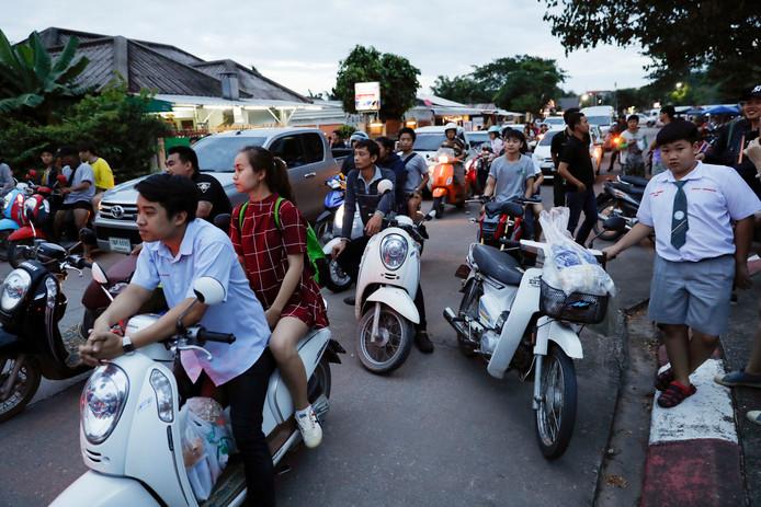 De straten bij het ziekenhuis van Chiang Rai zijn afgesloten.