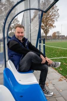 Festivalgoeroe en miljonair helpt voetbalclub Valburg
