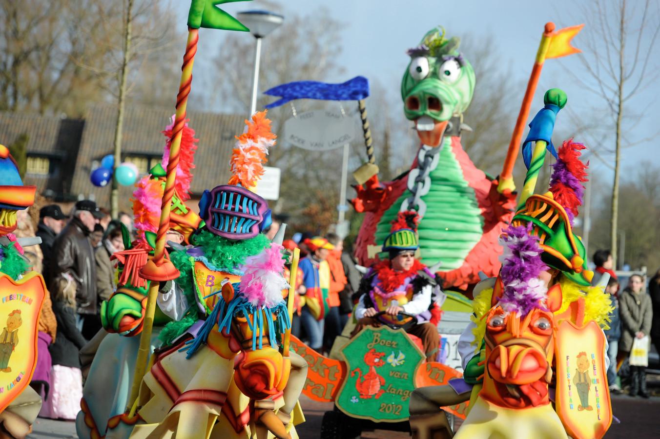 Geen carnavalsoptocht in Neede, in 2021. NCG De Vlearmuze heeft de grote evenementen maandagavond in verband met corona geschrapt.