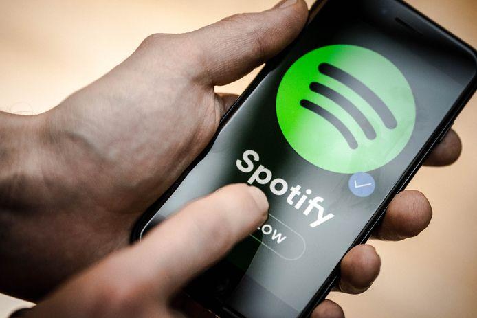 Spotify laat het nu toe om bepaalde artiesten uit je afspeellijsten te bannen.