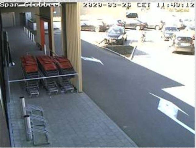 Dankzij de webcam aan de Spar in Glabbeek kan je zien of het druk is in de winkel.