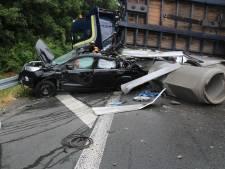 Chauffeurs overleven crash in Duitsland met  Lichtenvoordse vrachtauto