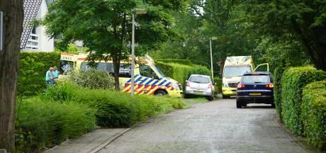 Klusser valt met steiger en al om in Deventer en gaat in zorgwekkende toestand naar het ziekenhuis