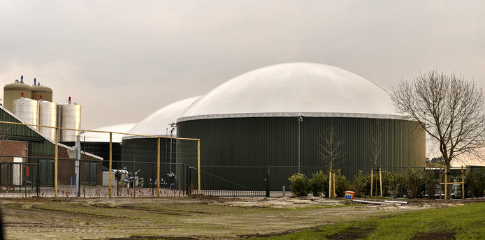 Wat gaat er gebeuren met de mestvergisters van het failliet verklaarde Biomoer? Feit is dat een mestondernemer uit Baarle-Nassau, aandeelhouder van mestgigant Fertikal, de ondergrond alvast in handen heeft.