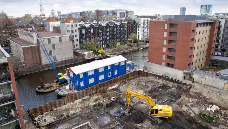 Als de archeologen klaar zijn, worden twee hotels gebouwd in de Valkenburgerstraat. Beeld Roy Del Vecchio