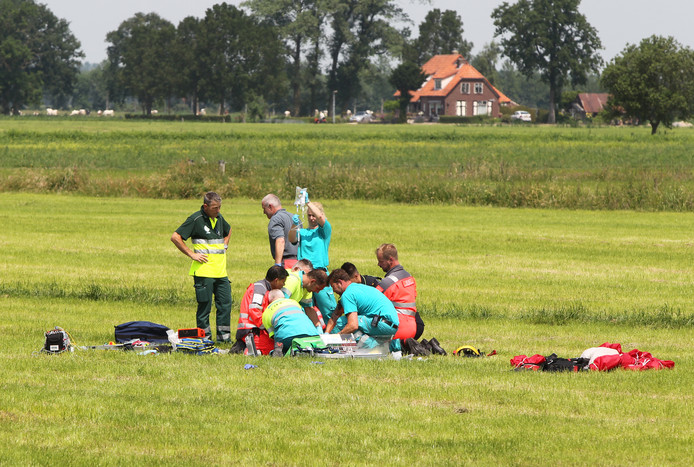 Het slachtoffer werd ter plekke behandeld door de medische hulpdiensten.
