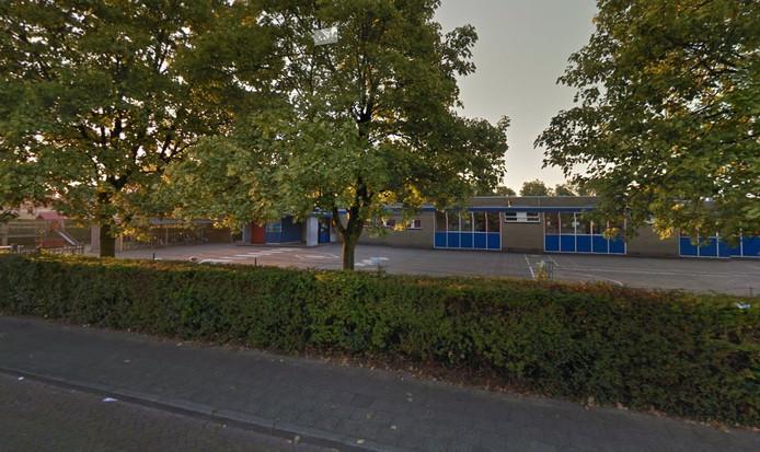Het oude schoolgebouw aan de Maurikstraat.