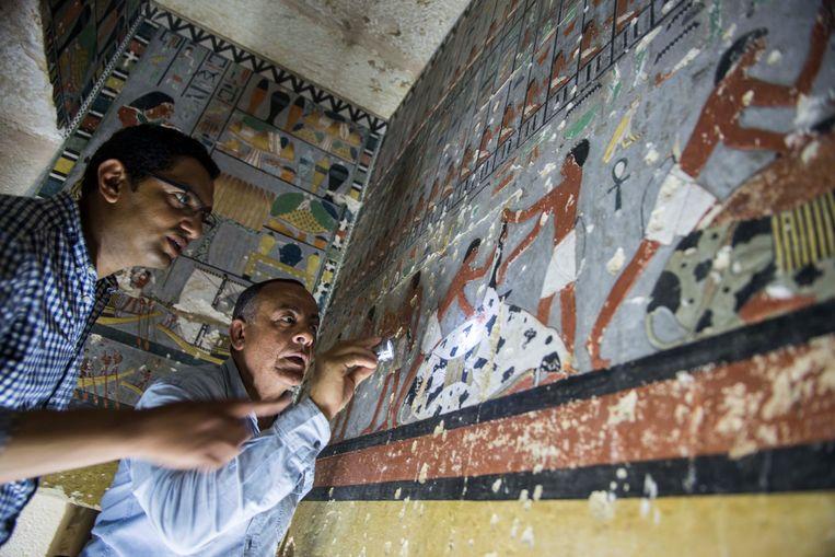 De muurschilderingen in het graf van Kuwhy in Saqqara leggen mogelijk geheimen bloot over de status van klasse van de edelmannen waartoe Kuwhy behoorde.