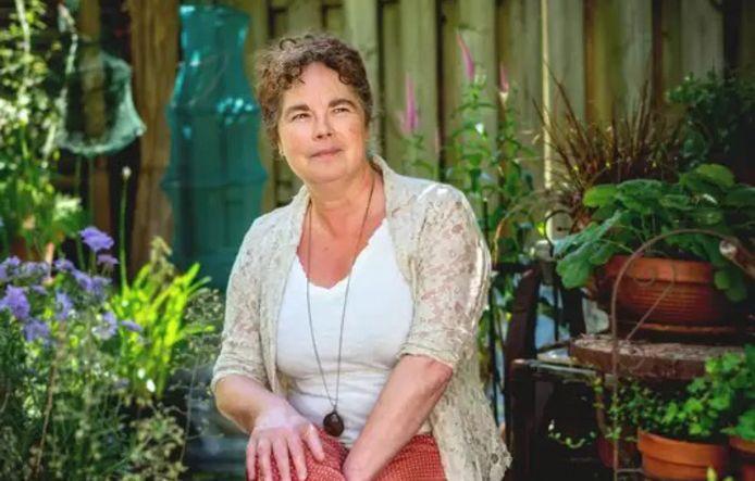 Anita van Asperen uit Dreumel blijft last houden van coronaklachten.