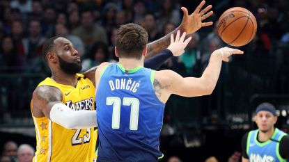 Sterke LeBron James voert Lakers naar winst in Dallas