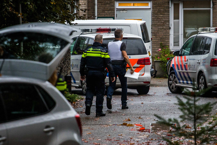 Politieonderzoek bij de forensisch psychiatrische kliniek Altrecht Aventurijn, waar de verdachte Michael P. verblijft.