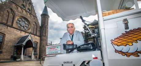 Wereldberoemde ijscoman Moes mag binnenstad Den Haag niet meer in: 'Ze zeiden dat ik maar met pensioen moet'