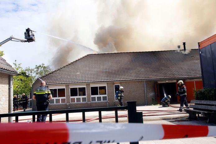 De Eindhovense basisschool Onder de wieken brandde in de zomer van 2017  geheel uit.