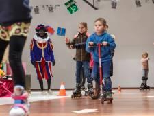 De huiskamer van de Sint staat in Etten-Leur: 'Rolschaatsen met pieten is nog leuker'