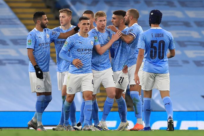 Phil Foden heeft Manchester City op 2-1 gezet.