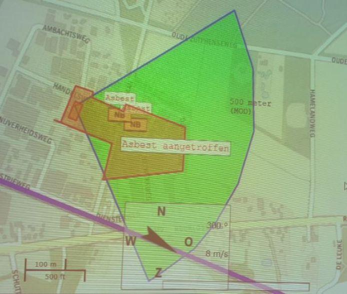 In het groen gearceerde gebied zijn volgens de gemeente Bronckhorst roetdeeltjes neergekomen als gevolg van de brand.