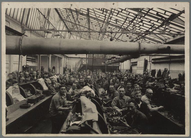 Arbeiders in de diamantindustrie werkten tegen lage lonen en onder zware omstandigheden. Beeld Internationaal Instituut voor Sociale Geschiedenis (IISG)