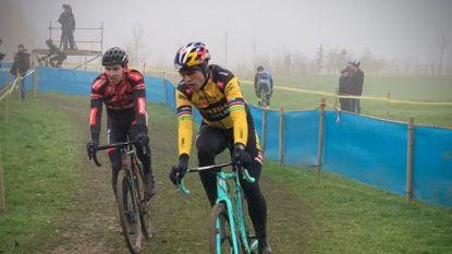 LIVE. Van Aert was voorbije dagen wat ziek, maar gaat in Kasteelcross strijd aan met Van der Poel