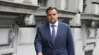 """Staatssecretaris voor Sociale Fraudebestrijding: """"Selor en VDAB te log"""""""