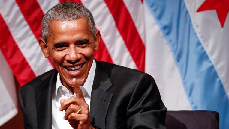 Obama, zonder das en helemaal ontspannen, hield deze avond een toespraak aan de universiteit van Chicago.