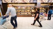 Deze man wil dat elke supermarkt ter wereld zijn voedseloverschotten uitdeelt