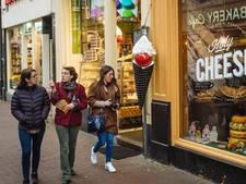 NV Zeedijk 'redt' weer een straat in het centrum