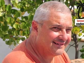 """Frank Van Beselaere (67) bleef alleen achter in zijn B&B terwijl zijn vriendin terug in België ging werken: """"Ik heb al vier maanden niemand meer aangeraakt. Dat doet raar, hoor"""""""