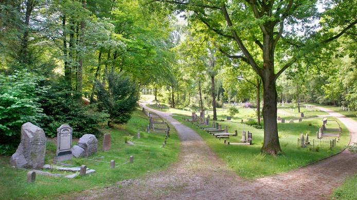 Heiderust kent door de ligging aan de voet van de stuwwal veel hoogteverschillen, wat het terrein aantrekkelijk maakt voor een wandeling. Vanaf woensdag beschikt Heiderust over een plek waar ongeboren kinderen begraven kunnen worden.