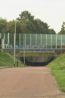 Jongen (17) krijgt vuistslag in gezicht bij fietstunneltje in Enschede