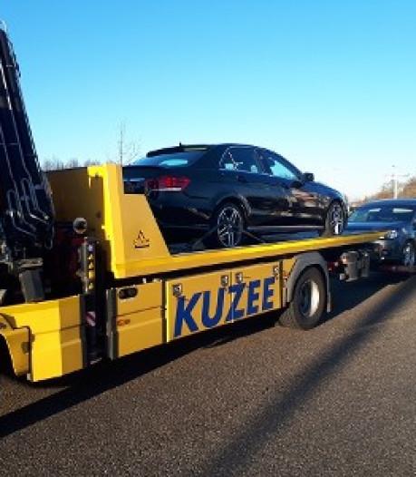 Twee auto's in beslag genomen na criminele verdiensten