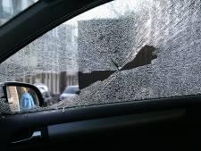 Meerdere auto's gesloopt met baksteen in Nieuwleusen