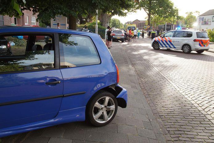 De motorrijder raakte gewond bij een botsing met een auto op de Wolput in Vlijmen.