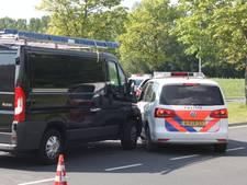 Agent gewond bij aanrijding in Lelystad