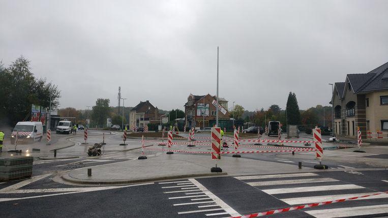 Het rondpunt in Rekem wordt vrijdag in gebruik genomen.