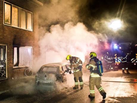 Is een pyromaan verantwoordelijk voor de autobranden in Dordrecht? De politie durft het niet te zeggen