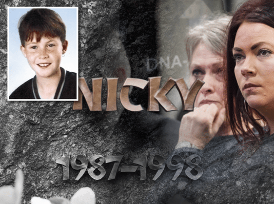 Nicky Verstappen (links) als jongen van elf. Rechts: zijn moeder en zus tijdens één van de voorbereidende zittingen.