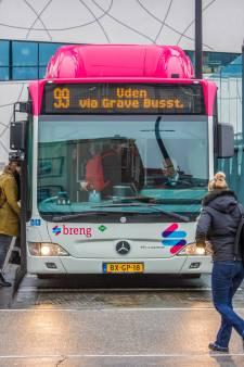 Buschauffeurs bezorgd nu passagiers weer voorin mogen instappen 'Wij lopen méér risico op corona'