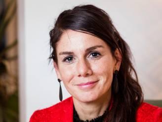 """Fatma Taspinar is introvert en worstelt daarmee op de werkvloer: """"Voel je je schuldig, dan lijd je er nog meer onder"""", zegt expert"""