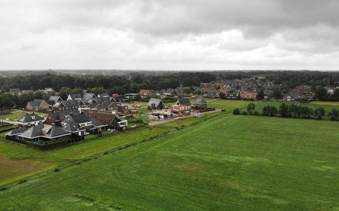 De nieuwbouwwijk De Marke III in Hengevelde heeft een oppervlakte van 10 hectare en wordt begrensd door De Marke II, de Diepenheimsestraat, de Needsestraat en de Janninksweg.