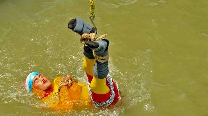 Goochelaar vermist nadat hij zich vastgeketend laat onderdompelen in Ganges