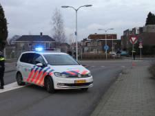 Fietser ernstig gewond na ongeluk op rotonde in Almelo