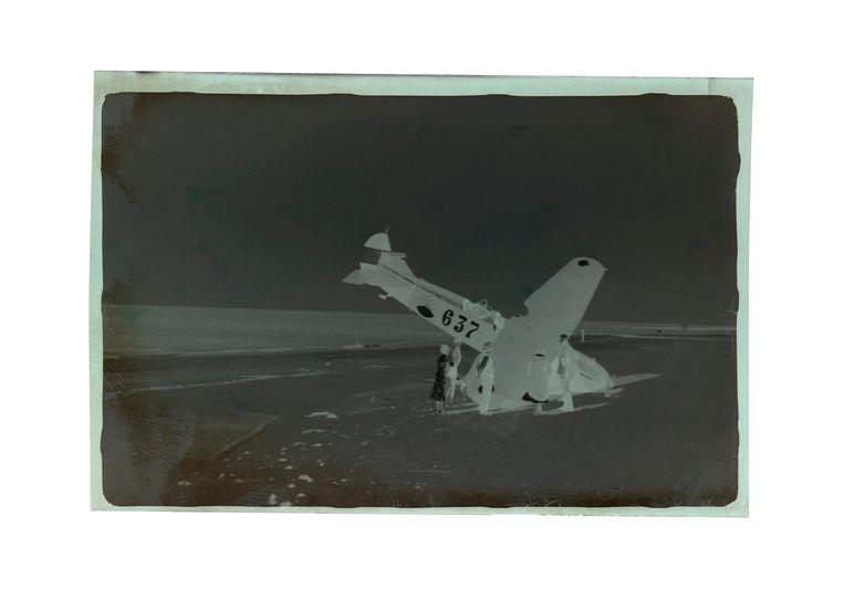 Foto van een anonieme fotograaf, gemaakt in de Tweede Wereldoorlog. Beeld 'Donkere Duinen'
