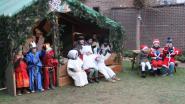 Kinderen beelden kerstverhaal uit
