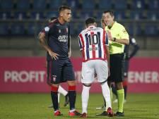 Sterk debuut Dumic bij FC Twente: 'Trainer, u denkt vast dat ik niet kan voetballen'