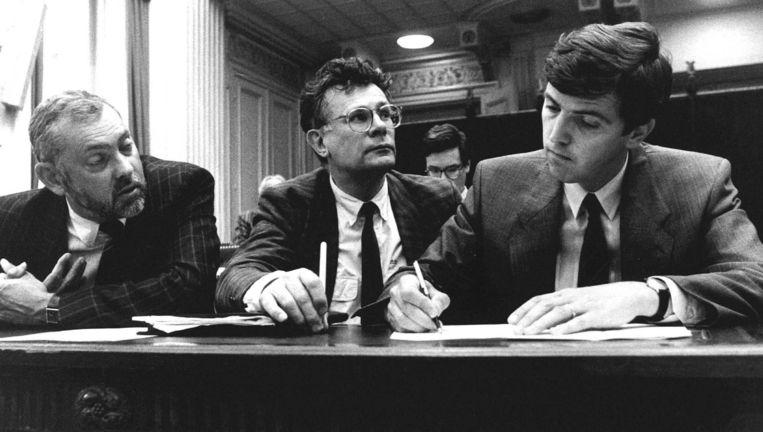 Tweede Kamer/Paspoort-Enquete. V.l.n.r.: Frans Jozef Van Der Heijden (CDA), Aad Kosto (PvdA) en voorzitter van de parlementaire enquetecommissie Loek Hermans (VVD), 14 juni 1988. Beeld ANP