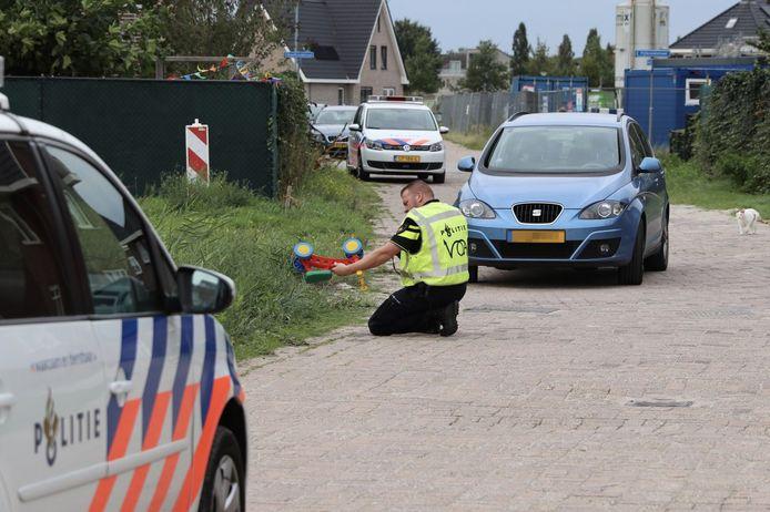 Of het jongetje op de loopfiets zat tijdens de aanrijding, kan de politie nog niet bevestigen.